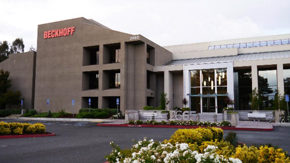 Mit dem neuen Technical Center manifestiert Beckhoff seinen technologischen Ansatz, die Konvergenz von IT- und Automatisierungstechnik für Industrieanwendungen nutzbar zu machen.