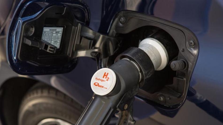 Die Brennstoffzelle ist eine Schlüsseltechnologie für umweltfreundliche Mobilität. Deutschland richtet sich mit neuer Strategie danach aus.