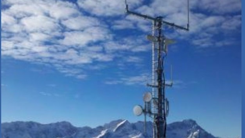 Aus den Strahlungsschwankungen zwischen Sendemasten von Mobilfunkbetreibern können Meteorologen Informationen über Regenfälle ableiten.