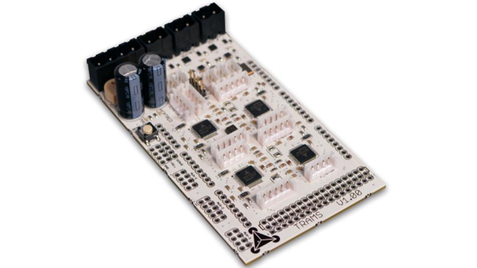 Das Trinamic Reprap Arduino  Mega Shield (TRAMS) wurde  mitsamt Beispielcode als Referenzdesign  für 3D-Drucker mit dedizierten  Rampencontrollern entwickelt.
