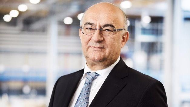 Dr. Robert Bauer, Vorstandsvorsitzender von Sick: »Trotz des herausfordernden wirtschaftlichen Umfelds sind wir zuversichtlich, auch im Jahr 2016 ein Wachstum bei Umsatz und Ergebnis erzielen zu können – wenn auch mit bescheideneren Zuwachsraten als 2015.«