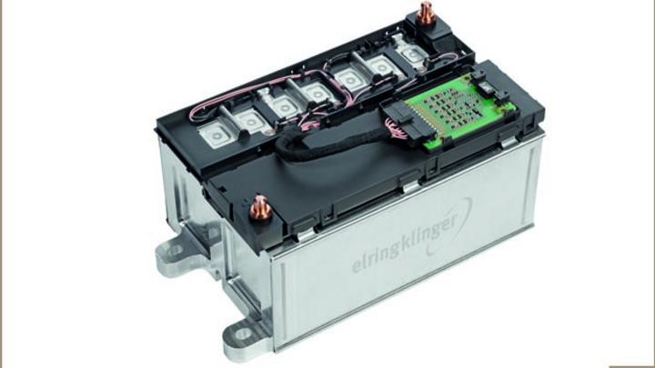 ElringKlinger und Sensor-Technik Wiedemann vereinbaren Kooperation bei Entwicklung von Lithium-Ionen-Batteriemodulen und -systemen.