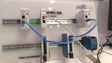 Ethernet-Kabel am Stand von Softing auf der Hannover Messe 2016