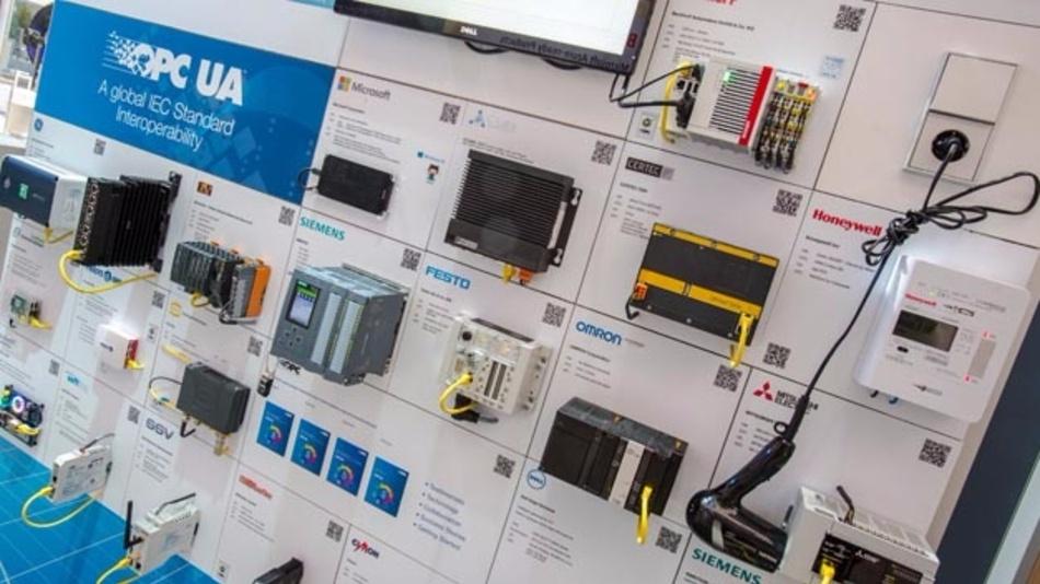 Die Demo-Wand auf der Hannover-Messe zeigt die Vielfalt der OPC-UA-fähigen Geräte.
