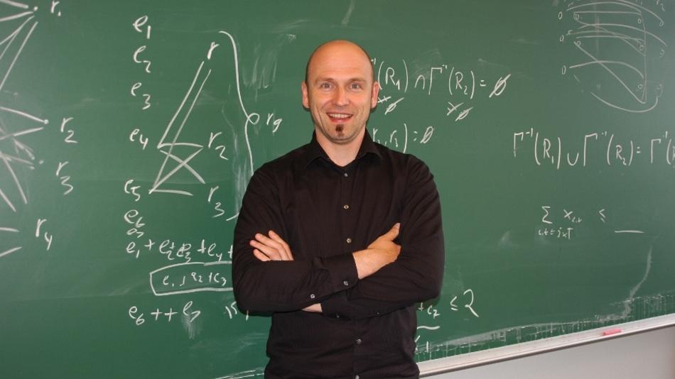 Die Mathematik ist und war nie tot, meint Prof. Dr. Marco Lübbecke von der RWTH Aachen.