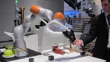 Kuka-Roboter auf der Hannover Messe 2016
