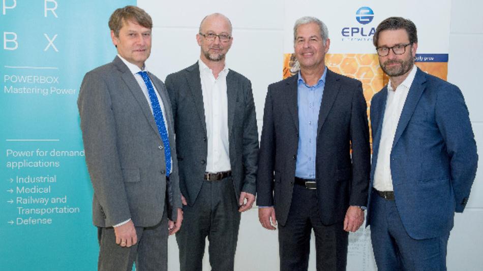 Von links nach rechts: Andreas Mielke (Geschäftsführer Eplax), Martin Sjöstrand (CEO Powerbox), Wolfgang Pape (Geschäftsführer Eplax) und Henrik Flygar (Vorstandsmitglied bei Powerbox)