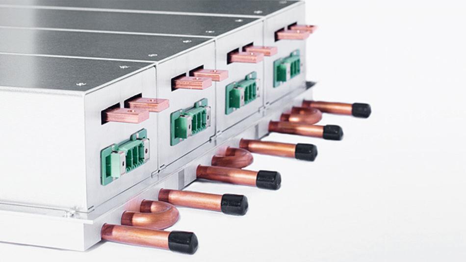 Mit der Semicustom-Plattform LAPS von PBF hat Hy-Line Power Components eine Hochleistungs-Industriestromversorgung mit 1,5 kW, 3,5 kW und 12 kW Ausgangsleistung bei 10 bis 60 V Gleichspannung am Ausgang im Programm. Der Weitbereichseingang wird mit 90 bis 264 V AC (einphasig) bzw. 180 bis 528 V AC (dreiphasig) gespeist. Die Wirkungsgrade liegen über 93 % und die mögliche Gesamtleistung bei bis zu 120 kW bei bis zu 2000 A Ausgangsstrom und aktiver Stromaufteilung. Gekühlt wird wahlweise über die Basisplatte, per Konvektion, Zwangslüftung oder auch per angepasster Wasserkühlung. Die 3,5-kW-Einheiten messen nur 410 x 100 x 88 mm. Typische Einsatzgebiete der Hochleistungseinheiten sind Industriestromversorgungen, Forschung und Wissenschaft, Kontroll- und Steueranlagen sowie Laser-Stromversorgungen.