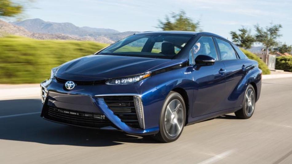Der Toyota Mirai kostet umgerechnet fast 79.000 Euro. Nun will der Autobauer bis 2019 ein günstigeres Brennstoffzellenfahrzeug vorstellen.