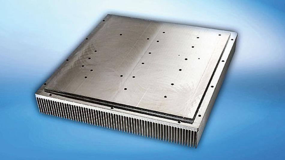 Bild 2. Die SuperPower-Hochleistungskühlkörper haben die gleichen technischen Eigenschaften wie herkömmliche Stranggussprofile, sind jedoch um bis zu 40 Prozent leichter und kleiner als diese.