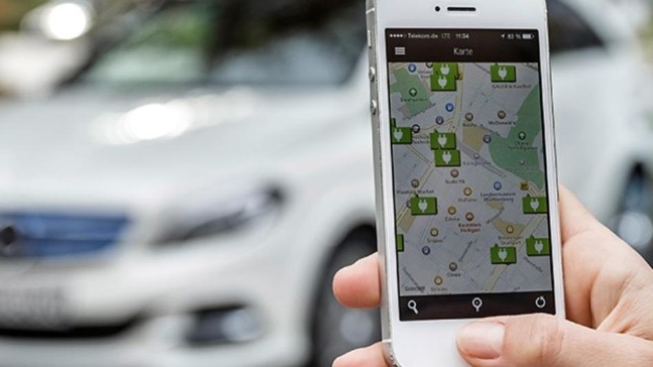 Apps wie Charge&Pay für Mercedes-Benz vereinfacht das Laden von Elektroautos an öffentlichen Stromtankstellen.