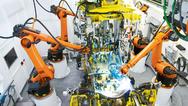 Für die Steuerung mehrerer Fertigungsroboter, deren Bewegungsablauf aufeinander abgestimmt sein muss, sind Echtzeitanforderungen zwingend erforderlich.