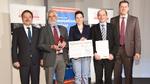 Gewinnerteam »Nerven aus Glas« - v.l.n.r.: Peter Krause (AMA), Prof. Dr. Wolfgang Schade, Dr. Martin Angelmahr (Fraunhofer-HHI) Anna Lena Baumann (Photonik Inkubator/Fraunhofer-HHI) Prof. Dr. Andreas Schütze (Jury/Uni des Saarlandes)