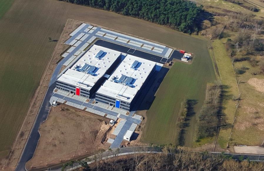 Ein Blick von oben auf die neue BMZ-Fertigungsstätte