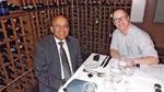 Bild 1: Ralf Higgelke im Gespräch mit Balu Balakrishnan (links), CEO von Power Integrations