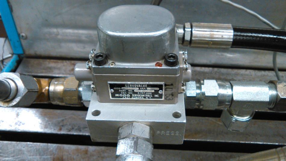 Das Fluidtechniklabor der Fakultät für Ingenieurwesen der Universität von Saskatchewan gewann das Preisausschreiben mit einem Videofilm, der ein seit 53 Jahren in Betrieb stehendes Servoventil der Baureihe Moog 21 zeigt.