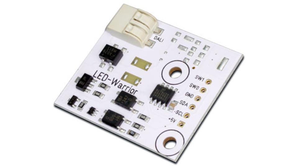 Ein Mikrocontroller wird zunehmend für den Datenaustausch mit Sensoren in oder der Leuchte selbst genutzt. Eine I2C-zu-DALI Bridge gibt es dafür von den Code Mercenaries.