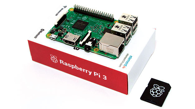 Acht Raspberry Pi 3 (Rasp­berry Pi Foundation), gestiftet von Farnell element14