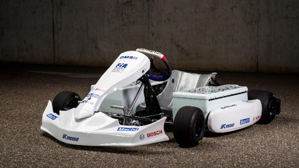 Das E-Kart erreicht eine Spitzengeschwindigkeit von über 130 km/h.