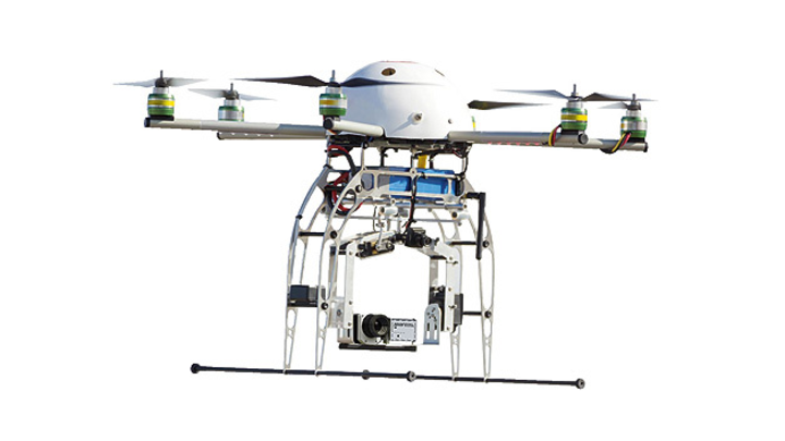 Drone mit PI LightWeight System zur Flugthermografie