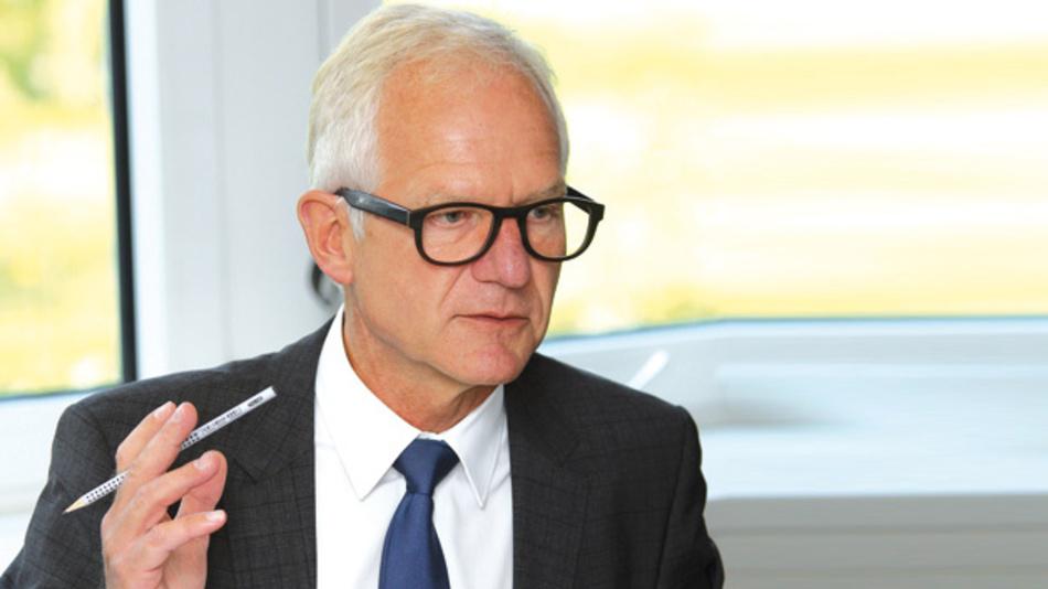 """Bernd Pfeil, EBV  »Mit unseren fast 30% Marktanteil in Zentraleuropa ist es schwierig, in bestehenden Märkten noch weiter zu wachsen. Das heißt, wir wollen und müssen auch verstärkt neue Wege gehen und uns neue Kunden- zielgruppen oder besser gesagt """"Reviere"""" erschließen.«"""