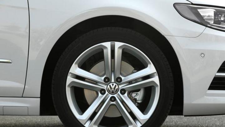 Volkswagen rüstet u.a.das Modell CC mit 2,0l-TDI des Motortyps EA 189 um.