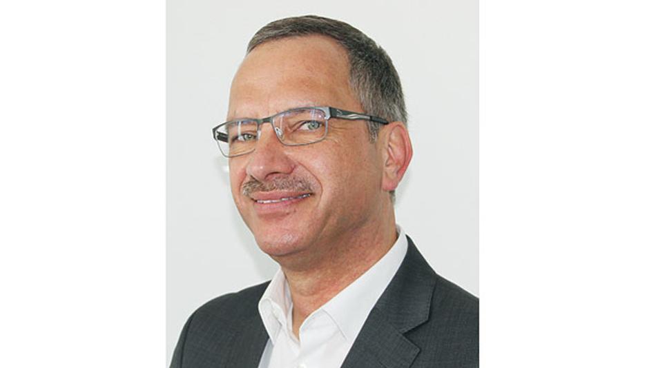 Rudolf Sosnowsky beschäftigt sich mit der Einführung neuer Technologien und der Auswahl von Lieferanten bei Hy-Line Computer Components