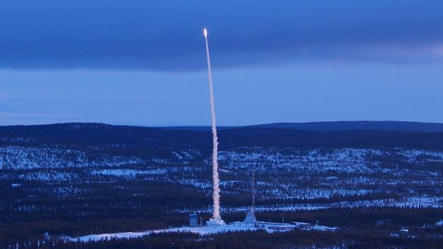 Am 15. März 2016 um 06:24 startet REXUX20 auf dem Gelände des Esrange Space Centers in Nordschweden.