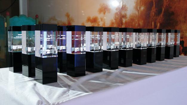 Die begehrten Preise  warten auf ihre Preisträger