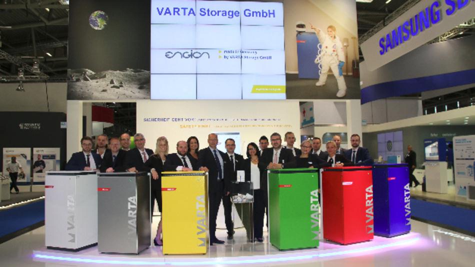 Auf der Intersolar/ees Europe 2016 zeigt Varta Storage sein gesamtes Portfolio an Energiespeichern für Privathaushalte sowie Lösungen für ein intelligentes Energiemanagement.