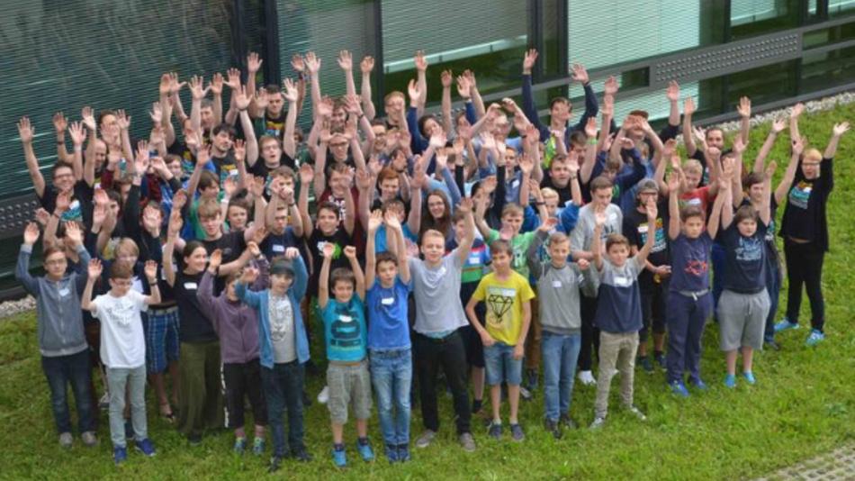 60 Nachwuchsprogrammiererinnen und -programmierer verbrachten ein Wochenende an der Universität Ulm.