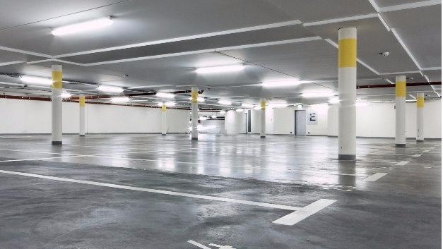 Tiefgaragen sind neben Kellerräumen, Produktions- und Lagerhallen wichtige Einsatzgebiete für das neue Sortiment von Ledon.