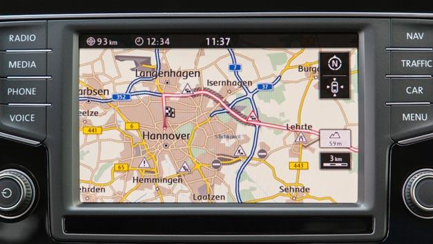 """Wenn das Navigationssystem selbst """"denkt und den Stau umfährt, bleibt dem Fahrer viel Stress erspart."""