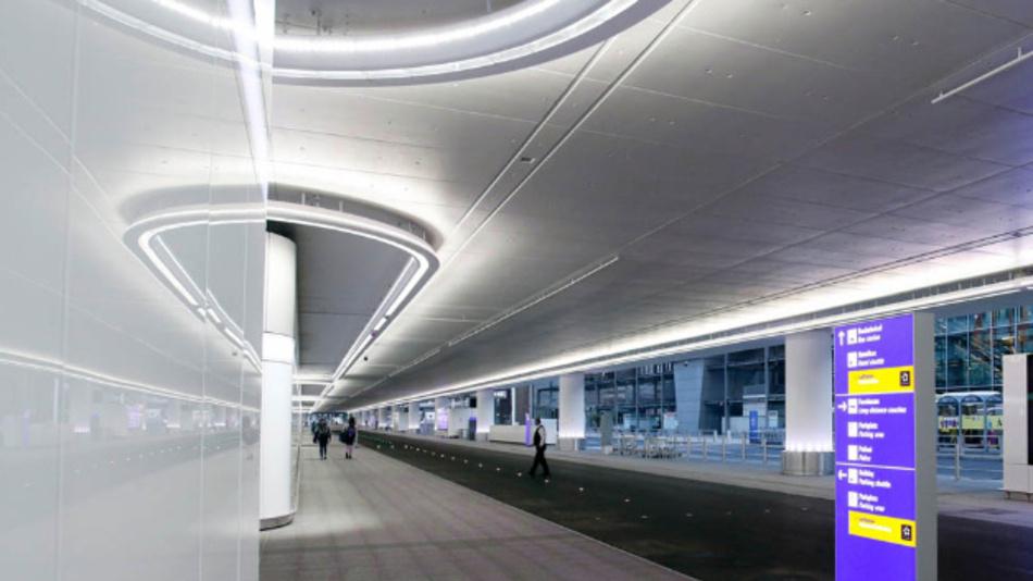 144.000 verbaute LEDs rücken Terminal 1 in ein neues Licht.