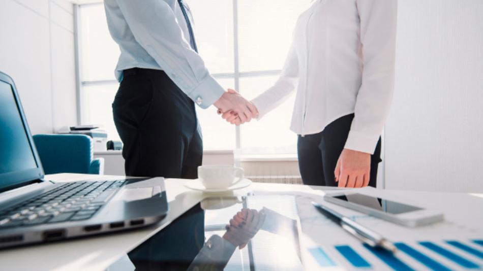 11. Auf starke Partner setzen: Sich im Zweifelsfall lieber professionelle Hilfe suchen und ein ganzheitliches Schutzkonzept erstellen lassen, wie es Unternehmen wie die Telekom anbieten.          (Texte: Deutsche Telekom)