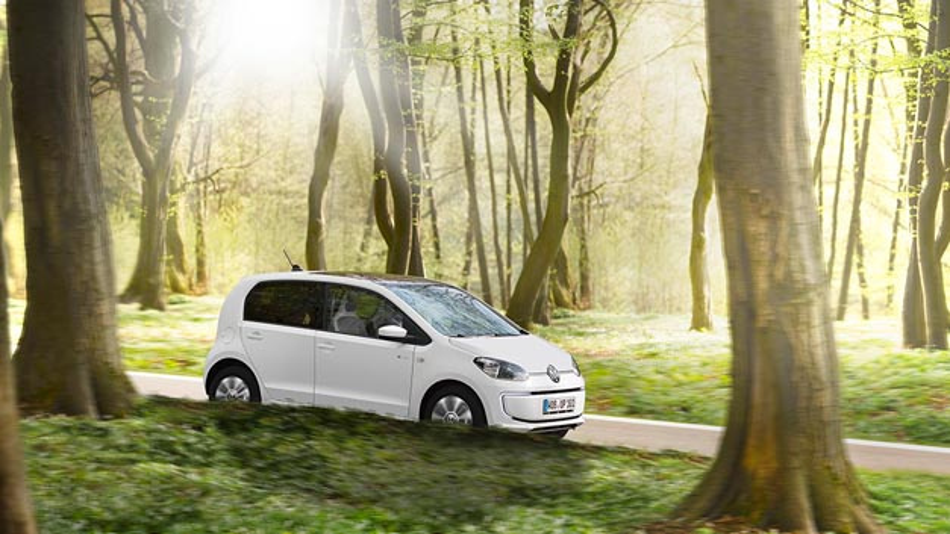 Damit die Fahrer beispielsweise eines e-Up! Ökostrom laden können, kooperiert Volkswagen zukünftig mit Entega und Verbund.