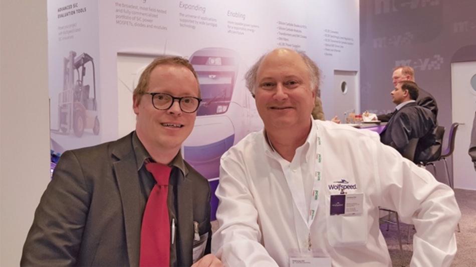 Auf der PCIM Europe 2016 DESIGN&ELEKTRONIK-Redakteur sprach Ralf Higgelke mit Dr. John Palmour (rechts), dem CTO von Wolfspeed.