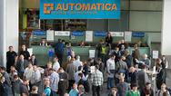 1_Besucher auf der Automatica 2016
