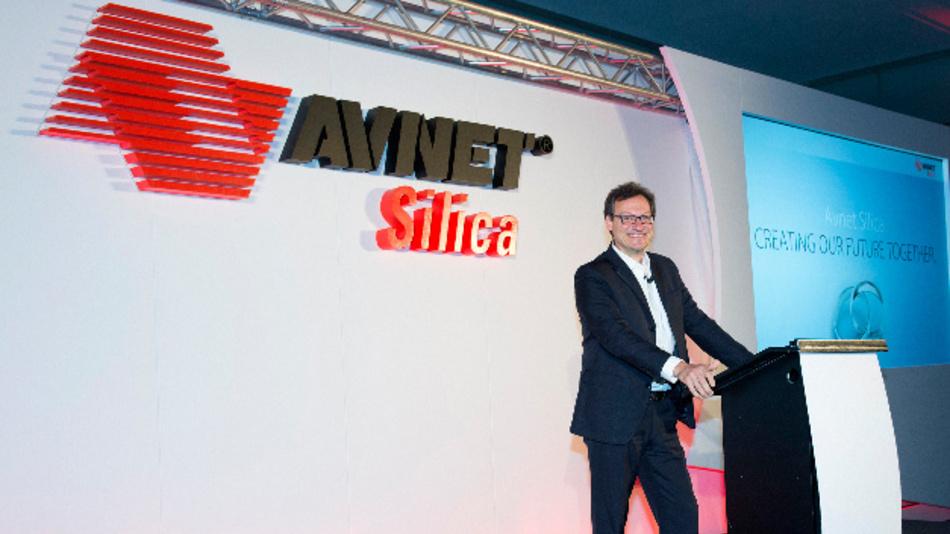 Mario Orlandi, Präsident der Avnet Silica, bei der Präsentation des neuen Markenauftritts und des neu gestalteten Logos.