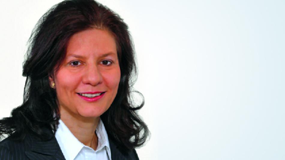 Dr. Bettina Enderle betreibt eine Kanzlei für Umweltrecht in Frankfurt am Main (www.enderle-umwelt.de). Sie weist ausdrücklich darauf hin, dass auch deutsche Unternehmen über ihre Lieferbeziehungen und vertraglichen Auflagen mit den umfangreichen Rückverfolgungs- und Dokumentationspflichten des Dodd–Frank Act konfrontiert werden.