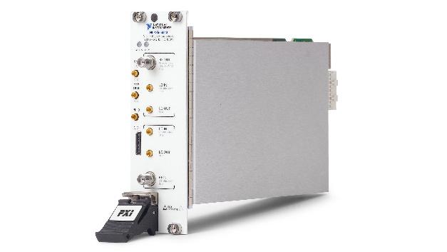 Der NI PXIe-5840 – die zweite Generation des VST von National Instruments – benötigt nur noch zwei Steckplätze im PXI-Chassis.
