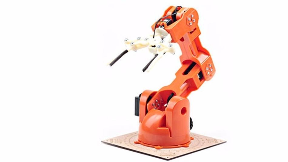 Der Tinkerkit Braccio ist ein Tischroboter mit einem Aktionsradius von 80 cm.