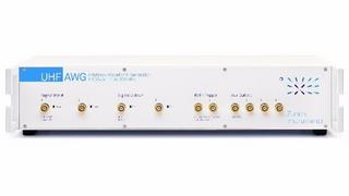 Der kombinierte Arbitrary Waveform Generator und Digitizer UHF AWG1,8 GSa/s von Zurich Instruments punktet mit einem sehr niedrigen Eingangsrauschen