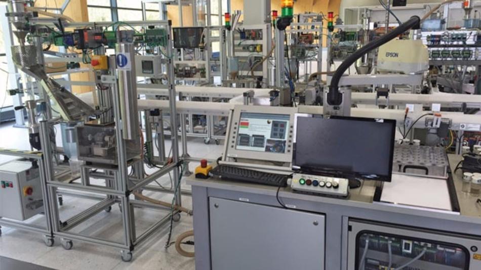Bild 2: Blick in die SmartFactory OWL in Lemgo