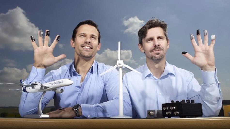 Dr. Raino Petricevic, Technischer Geschäftsführer (l.) und Clemens Launer, Kaufmännischer Geschäftsführer von iNDTact freuen sich über die erneute Auszeichnung.