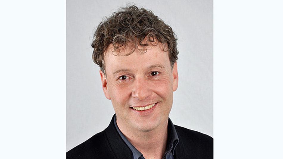 Sven Bauer ist Inhaber und Geschäftsführer der BMZ Batterien-Montage-Zentrum GmbH. Mit der Unternehmensgründung hat er 1994 sein Hobby zum Beruf gemacht. Dank seinem Gespür für technische Trends konnte sich sein Unternehmen innerhalb nur weniger Jahre einen Spitzenplatz auf dem schnell wachsenden Markt für Lithium-Ionen-Akkus sichern.