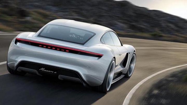 Für Entwicklung und Produktion des elektrisch angetriebenen Sportwagens Mission E will Porsche 1.400 neue Mitarbeiter einstellen.