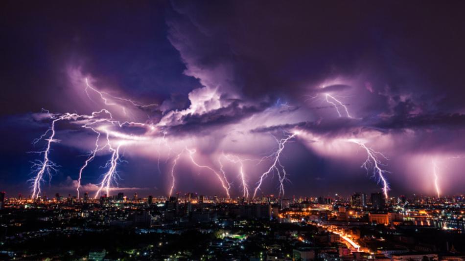 2015 hat das BLIDS bundesweit 549.784 Blitze registriert.