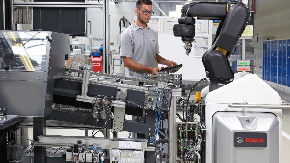Wer mit dem Roboter zusammenarbeiten will, sollte sich bei Bosch bewerben.