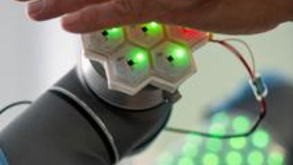 CellulARSkin ist eine künstliche Haut, die in Prof. Gordon Chengs Institut für Kognitive Systeme entwickelt wurde.